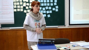 Олена Леонідівна звертається до студентів